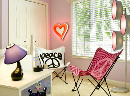 bedroom-girl-teen-groovy-lumisource-copy-revised-gallery
