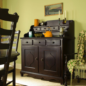 2-universal-furniture-paula-deen-home-low-country-sideboard-and-hutch-in-tobacco-copy_revised